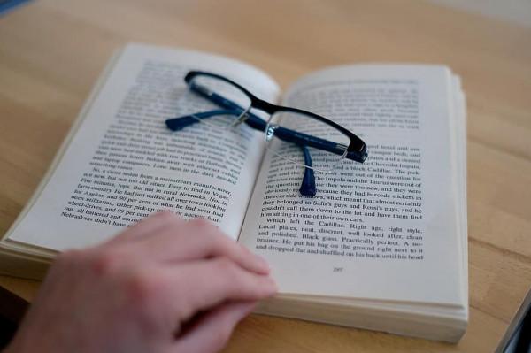 اتحاد الصناعات الورقية يحذر من عدم قدرة المطابع الإيفاء بتسليم الكتب المدرسية في موعدها