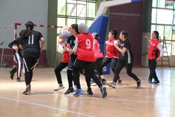 """بنات غزة الرياضي وأكاديمية النجوم يتغلبن على جمعية الشبان و""""تشامبيون"""