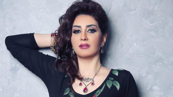 """شاهد كيف عاقبت وفاء عامر """"أدمن"""" صفحتها بسبب شائعة وفاة دلال عبد العزيز"""