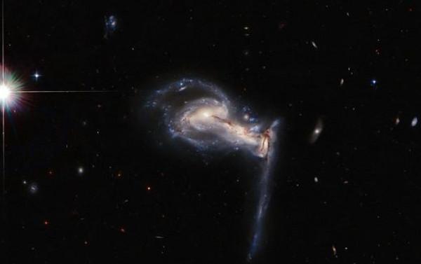 مشهد مثير للقلق لـ3 مجرات تتصارع في المكان