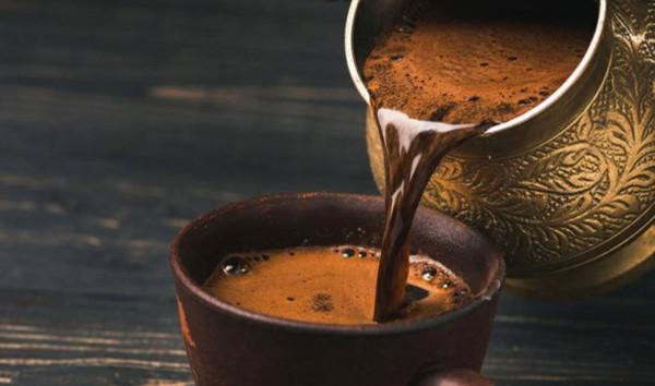 ماذا تفعل القهوة للدماغ عند شربها بكثرة؟