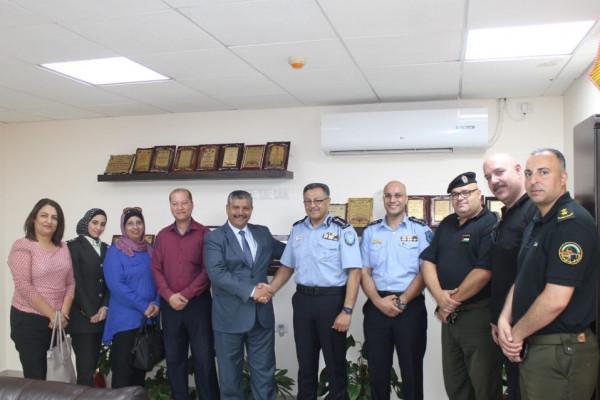 المفوض السياسي لرام الله والبيرة يلتقي مدير شرطة المحافظة ويشيد بأدائها المميز