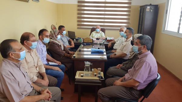 وفد من الرقابة المالية والإدارية بوزارة التعليم يتفقد سير العمل بمديرية شمال غزة