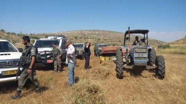 الاحتلال يصادر جرارين زراعيين في الأغوار الشمالية