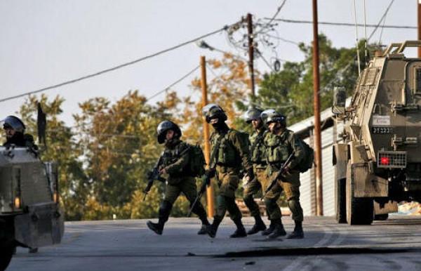 الاحتلال يعتقل عددًا من المواطنين بينهم 5 أطفال