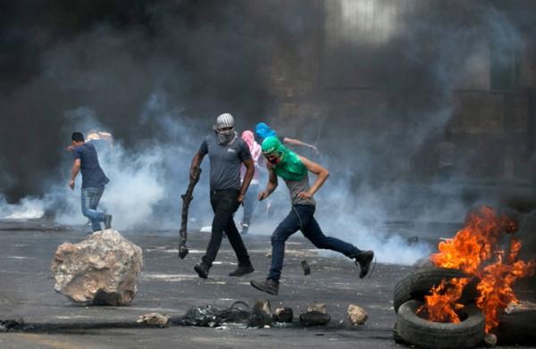 عشرات الإصابات خلال مواجهات مع الاحتلال في بيتا وبيت دجن