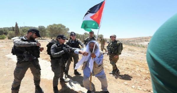 الاحتلال يقمع وقفة اسناد مع الأسرى المضربين عن الطعام في سلفيت
