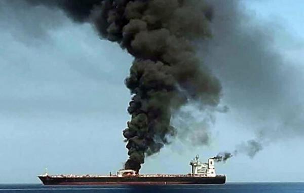 سلطنة عمان تعلق على حادث استهداف السفينة الإسرائيلية قرب سواحلها