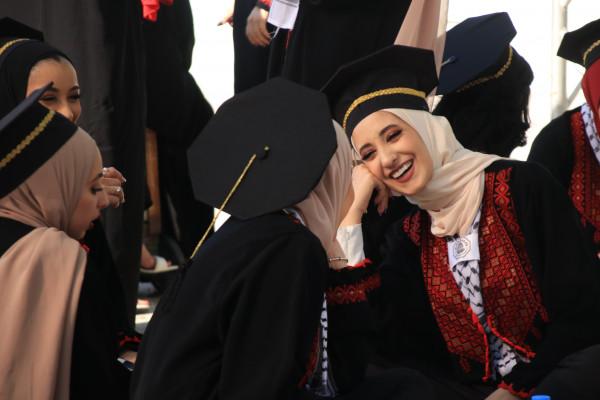 """جامعة القدس تحتفل بتخريج كليات """"الآداب العلوم التربوية الدعوة والقرآن وكلية الدراسات العليا"""""""