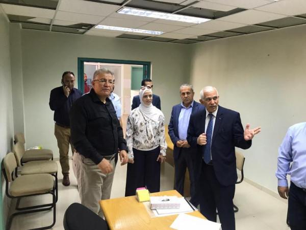 اتفاق على قيام جامعة القدس بتجهيز غرف العمليات بمستشفى فلسطين العسكري وتطويره