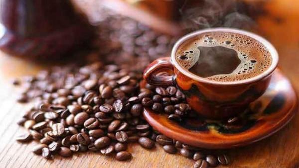 لتشعر بالمزيد من اليقظة.. متى يجب عليك أن تشرب القهوة؟