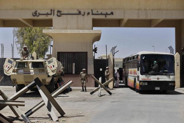 """طالع الأسماء: الداخلية بغزة تعلن كشف """"تنسيقات مصرية"""" للسفر اليوم الإثنين"""