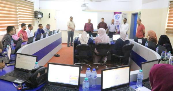 رمضان يتفقد دورة الصفوف الافتراضية لمعلمي الصفوف من الأول حتى الرابع