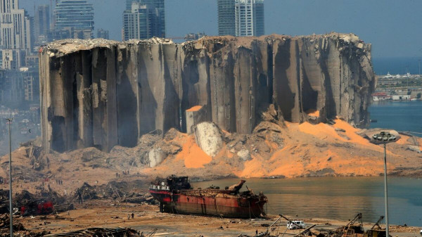 (رايتس ووتش): ثمة أدلة بأن مسؤولين علموا بمخاطر تخزين نترات الأمونيوم بمرفأ بيروت