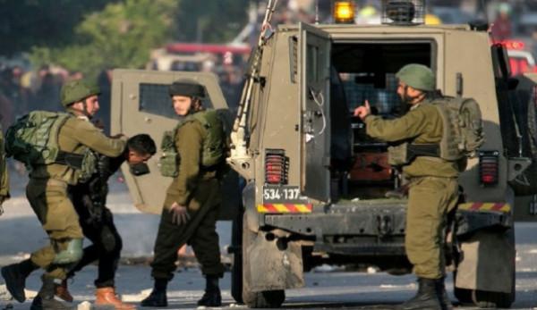 الاحتلال يعتقل ثلاثة مواطنين من سعير