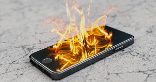 احذر.. هذه الأسباب تؤدي لاشتعال وانفجار هاتفك
