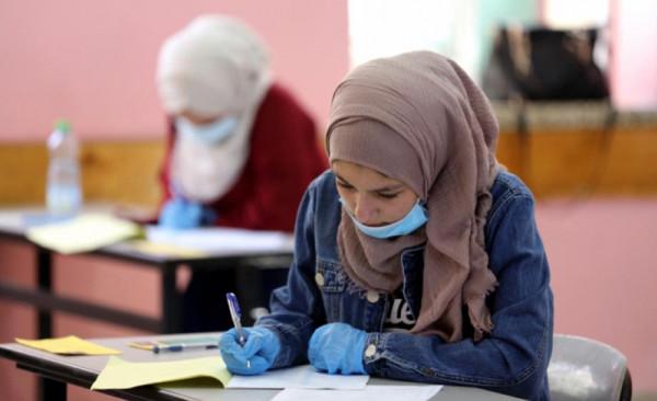 تعليم غزة يوافق على تقديم 70 طالبًا من متضرري العدوان لامتحان الثانوية العامة