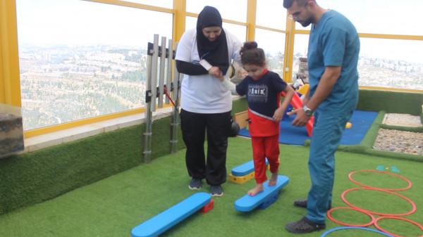 جمعية بيت لحم العربية تنفرد بقسم العلاج الطبيعي بين مشافي فلسطين