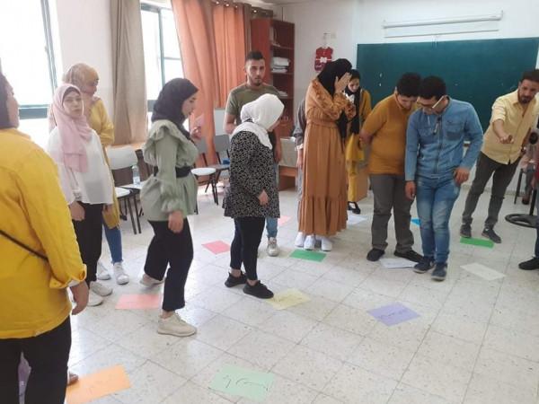 """مركز خليفة ينظم دورتين حول """"تدوير مخلفات البيئة"""" و""""المهارات الحياتية للتعامل مع العنف"""""""