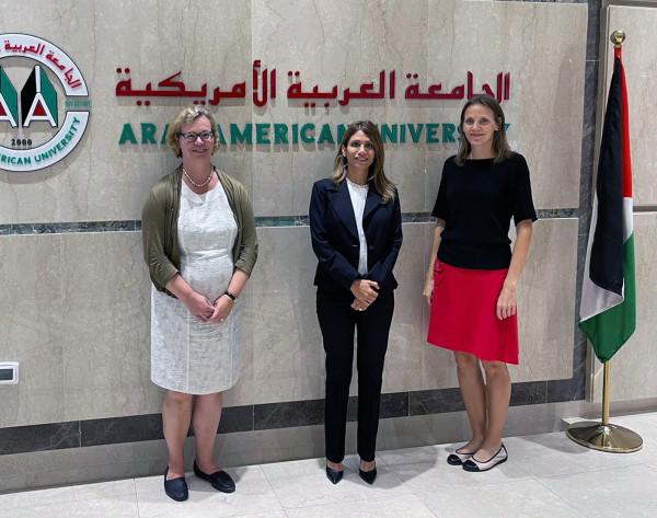 سفيرة فنلندا تزور الجامعة العربية الأمريكية
