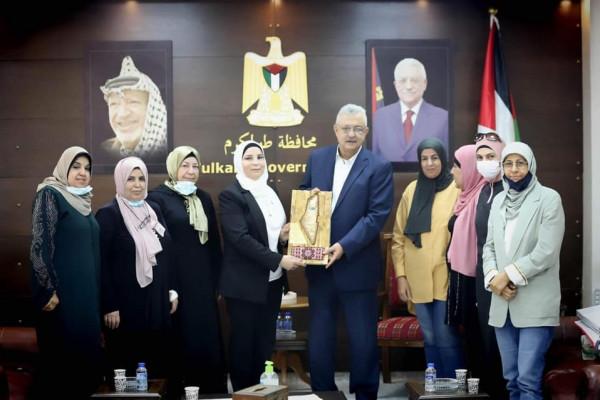 محافظ طولكرم يلتقي وفدا من الإتحاد العام للمرأة الفلسطينية