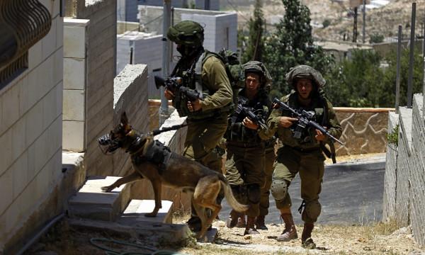 الاحتلال يداهم عدة منازل في بيت لحم
