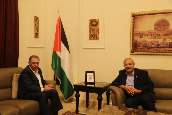 دبور يستقبل رئيس جمعية الهلال الاحمر الفلسطيني الدكتور يونس الخطيب