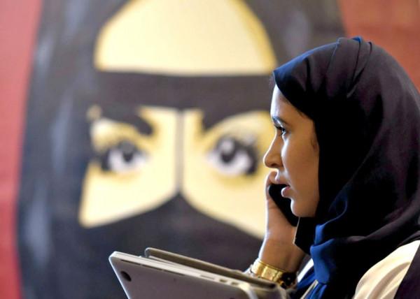 """شاهد: سيدة سعودية تتصدر """"ترند"""" المملكة بسبب هذه المهنة"""