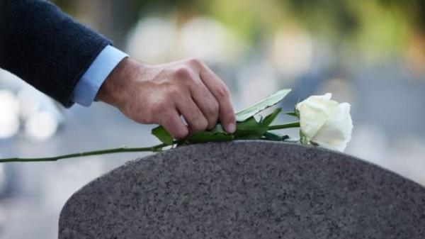زوج فنانة مصرية يضع شرط غريب قبل حضور جنازة زوجته