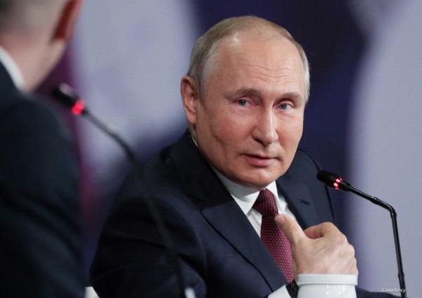 الكرملين: بوتين يدخل عزلاً ذاتيًا لزيادة إصابة المحيطين به بـ(كورونا)