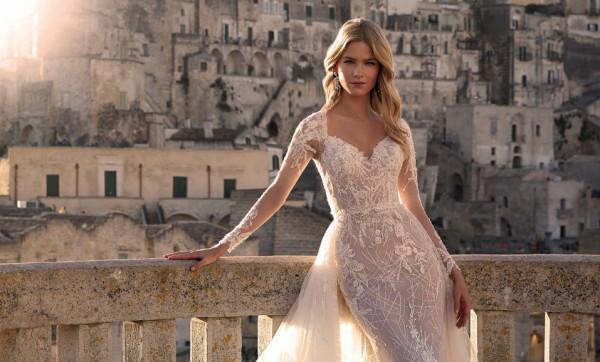 للعروس صاحبة الجسم النحيف.. إليكِ أجمل فساتين الزفاف