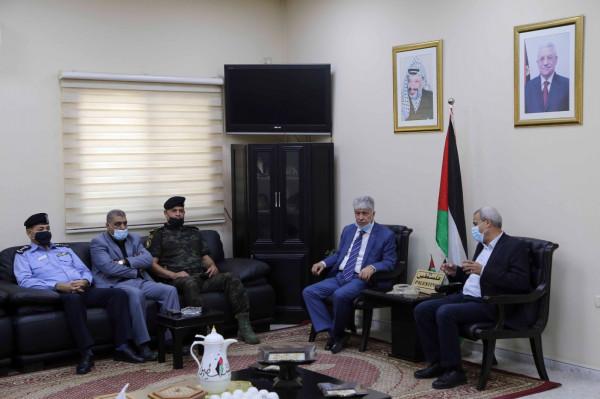 قلقيلية: المحافظ يلتقي وزير التنمية ويعقدان لقاءً مع ممثلي الجمعيات الخيرية والأهلية