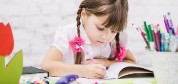 لتعليم الطفل مهارة الكتابة.. إليكم هذه الخطوات