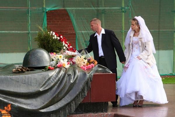 منع العروس من الدخول للمرحاض.. أغرب العادات للزواج حول العالم