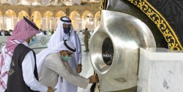 السلطات السعودية تكشف تفاصيل صيانة إطار الحجر الأسود في الكعبة