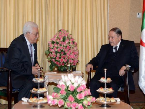 الرئيس عباس يعزي نظيره الجزائري بوفاة الرئيس السابق عبد العزيز بوتفليقة