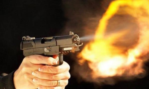 عشريني يقتل شقيقه رمياً بالرصاص ويسلم نفسه على الفور