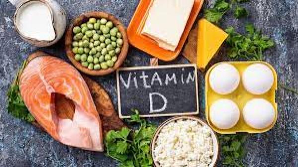 """لكسب الفوائد الصحية.. كيف تتناول """"فيتامين د"""" بالشكل الصحيح؟"""