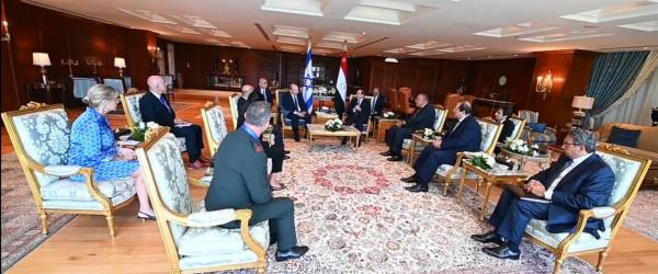 """لبيد يطرح على سامح شكري خطة """"الاقتصاد مقابل الأمن"""" لتحقيق التهدئة بالقطاع"""