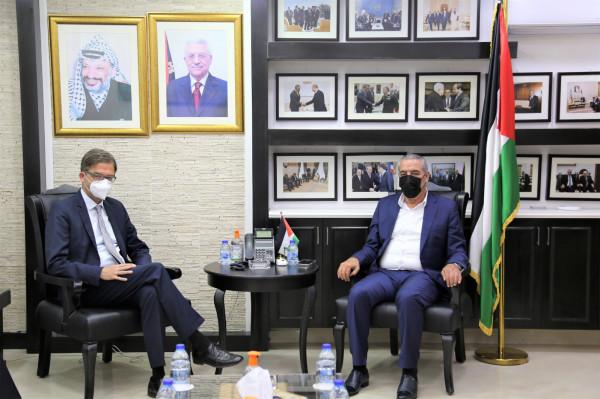 الشيخ يلتقي برئيس الممثلية الألمانية لدى دولة فلسطين