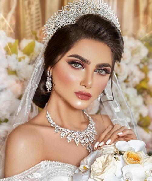آخر صيحات رسمات العيون لعروس 2021