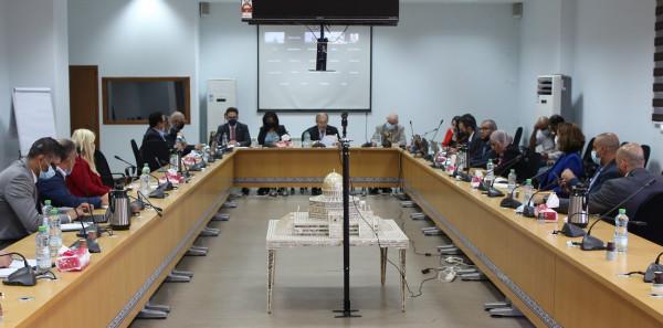 العسيلي يدعو المانحين لدعم جهود الحكومة في تحسين الاقتصاد الوطني