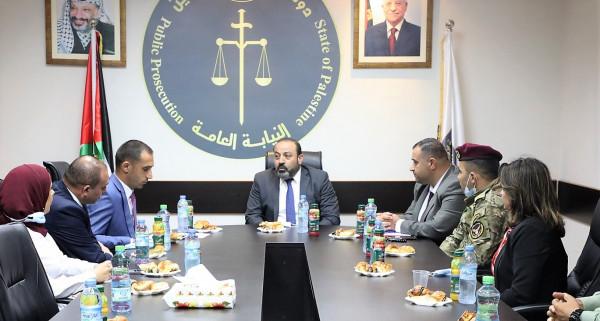 النائب العام يلتقي وفداً من جامعة الاستقلال