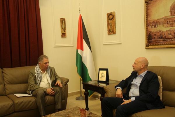 دبور يلتقي مدير (أونروا) في لبنان
