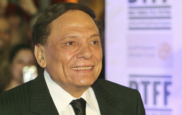 حقيقة اصابة الفنان المصري عادل إمام بفيروس (كورونا)