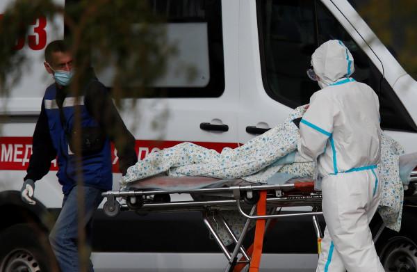 (كورونا) بروسيا: تسجيل 828 وفاة وأكثر من 21.3 ألف إصابة خلال يوم