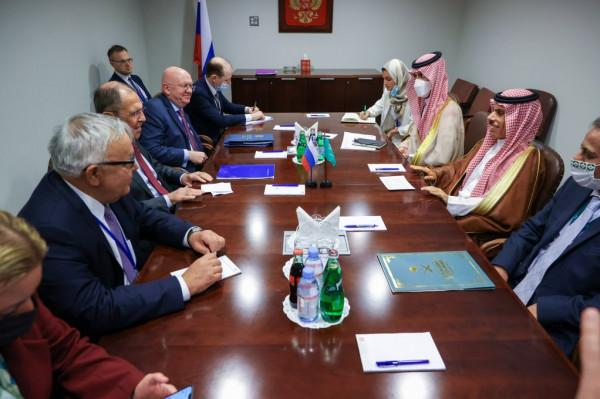 لقاء روسي سعودي في نيويورك لبحث سبل التعاون بين البلدين