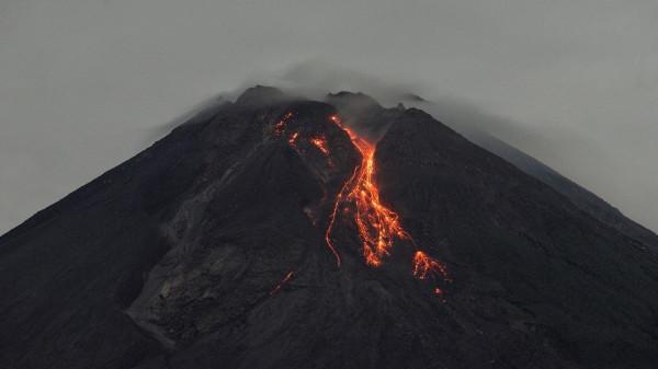 شاهد: منزل ينجو بأعجوبة من بركان جزر الكناري