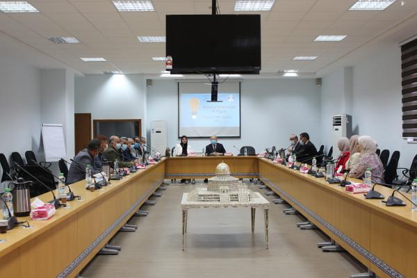 """""""الاقتصاد"""" توقع اتفاقيات توسيع شبكة مراكز دعم الابتكار مع عدد من المؤسسات الفلسطينية"""