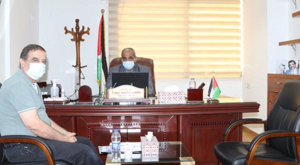 وزير الأشغال يناقش مع المجلس الفلسطيني للإسكان آليات العمل المشترك في ملف إعادة الإعمار